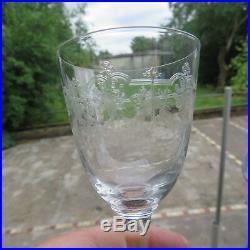 10 verres à vin en cristal de saint louis modèle Manon gravé