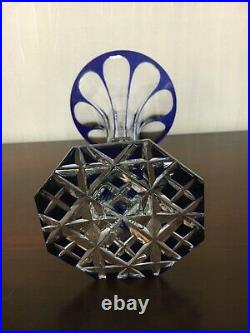1 vase doublé bleu en cristal de Saint Louis