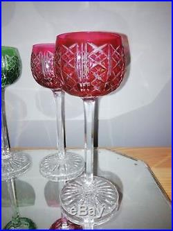 4 verres sur pieds de couleur vert et rouge en cristal Roemer signé St Louis