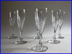 6 très élégantes flûtes à champagne en cristal taillé de ST SAINT LOUIS