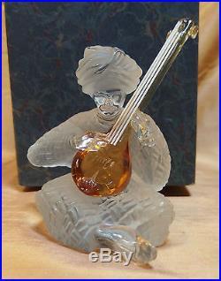 Ancienne statuette cristal de Saint Louis les musiciens du monde / luth indien