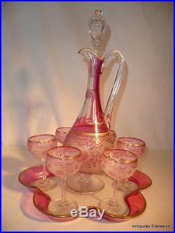 Attribuer à Saint Louis Service à porto cristal givré, rose et doré Décor floral