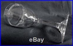 CRISTAL de SAINT LOUIS 6 verres à vin en cristal gravé, modèle MANON 16,8cm