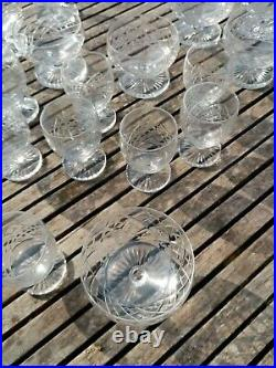 Cristal St Louis Service 9 Coupes A Champagne + 8 Verres A Porto + 1 Carafe