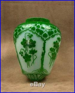 Globe De Suspension Lustre Art Nouveau Verre Degage A L'acide Baccarat St Louis