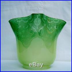 Grande tulipe lampe pétrole cristal gravé à l'acide St Louis Baccarat Victorian