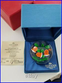 Jolie sulfure, presse-papier, paperweight, Saint-Louis, 1986, campanules oranges