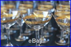 Partie de service de verres en cristal doré probablement Baccarat ou St Louis
