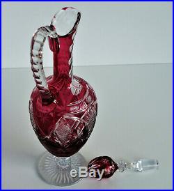 SAINT-LOUIS Rare Aiguière en Cristal Overlay Rouge Richement Taillé de 1908