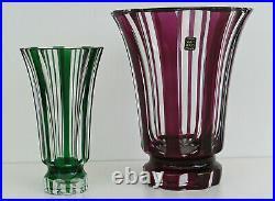 SAINT-LOUIS Vase en Cristal Taillé Overlay Vert du XXème Siècle