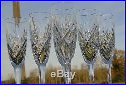 Saint Louis Service de 6 flûtes à champagne en cristal, modèle Chantilly