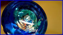 Saint-Louis. Vaporisateur en cristal clair doublé Bleu, décor gravé de fleurs or