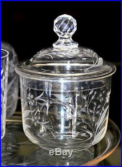 Saint-Louis (cat. 1908, pl. 57, réf. 1069). Service de nuit, en cristal gravé