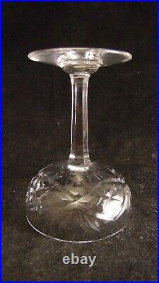 Service de 6 coupes à champagne en cristal de St Louis modèle Chantilly