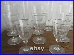 Service de verres en cristal gravés 19eme. Baccarat, Saint Louis 48 pièces