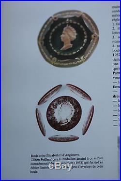 Somptueux et historique presse papier Sulfure Saint St Louis. Queen E II