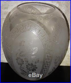 St LouisPaire de globes de lampes verre gravé à l'acide ép. XIXèEtat superbe