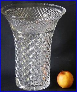 Très Grand Vase En Cristal Taillé Cabochon Et Pointe Diamant, St Louis Baccarat