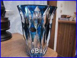 Tres rare ancien et imposant vase en cristal de saint louis de couleur bleu