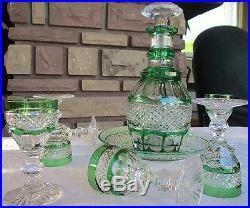 Trianon Saint Louis cristal vert, ensemble liqueur, assiette carafe 6 verres +1