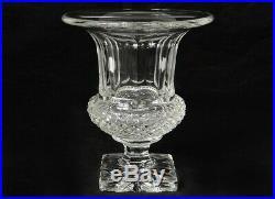 Vase cristal taillé Saint-Louis modèle Versailles pointes diamants XXème